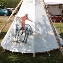 """""""Indianer på dannelsesrejse"""" – Tema malet TIPI"""